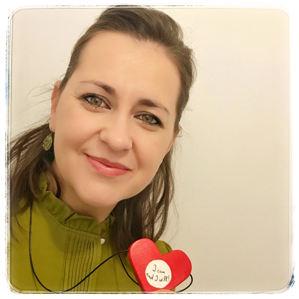 Elena Munteanu- Moderator la Bebe in sigurantă. Blogger Sebabay si fondator Tiny Toes Edu